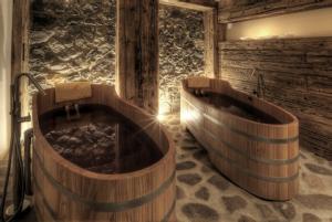Vasca Da Bagno Nuova : Vino in tavola e in vasca da bagno u2013 volta a botte